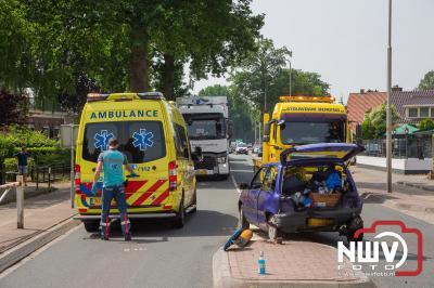 Gewonde bij ongeval voor zebrapad Zuiderzeestraatweg West N310 Doornspijk. - © NWVFoto.nl