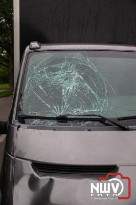 Jongen gewond nadat hij bij het oversteken is geschept door bestelwagen op 't Harde. - © NWVFoto.nl