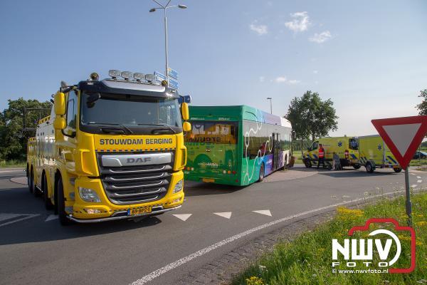 Buschauffeur wordt onwel, passagier schakelt hulp in - © NWVFoto.nl