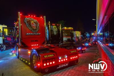 Gezellige meetings van vrachtwagens op het industrieterrein van 't Harde. - © NWVFoto.nl