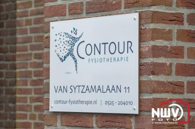 Stefan Plugge opende vrijdagmiddag zijn eigen praktijk voor fysiotherapie in Oldebroek. - © NWVFoto.nl